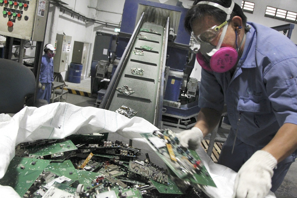 Call For Papers Electronics Recycling Asia International Technology Cell Phone Circuit Board